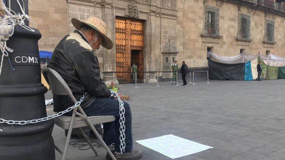 hombre-encadenado-Palacio-nacional.jpg