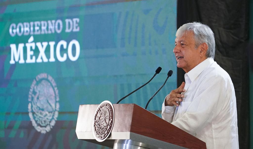 AMLO_Confe_Cancún4.jpg