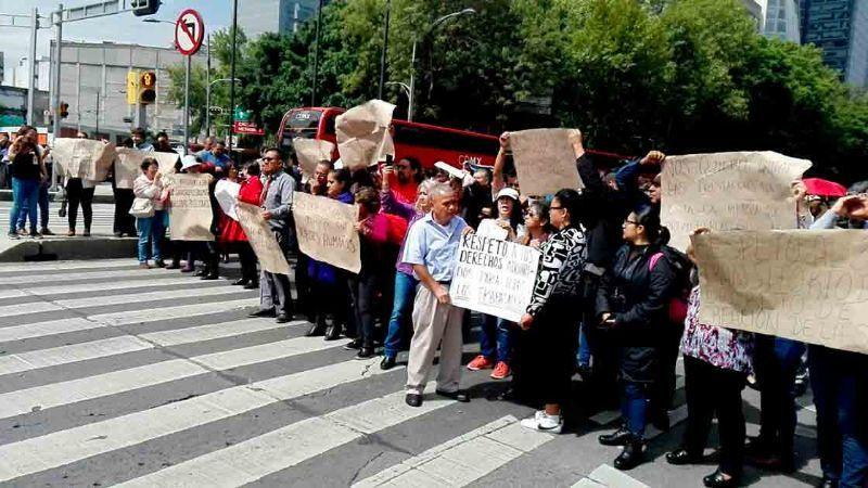 TRABAJADORES-PROTESTA.jpg