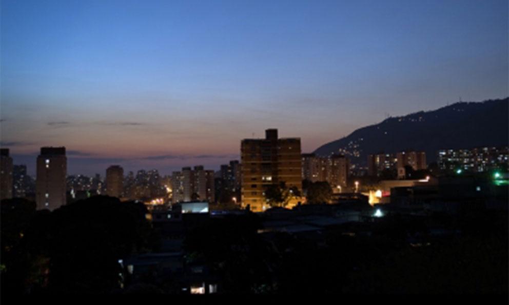 Apagón-paraliza-operación-de-dos-grandes-refinerías-de-Venezuela.jpg