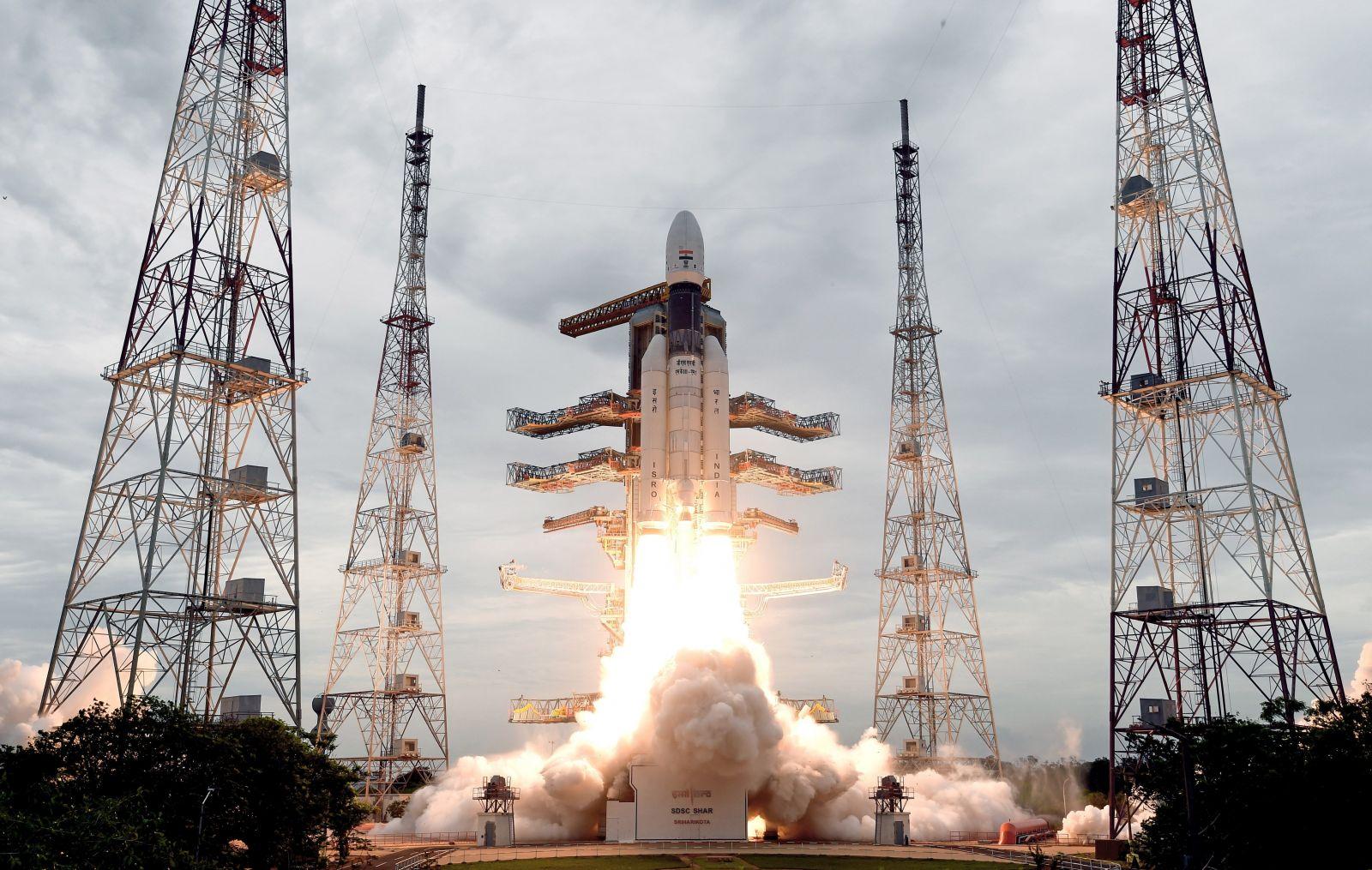 India-lanzó-con-con-éxito-su-segunda-misión-lunar.jpg