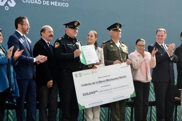 Sheinbaum_Policías.jpg