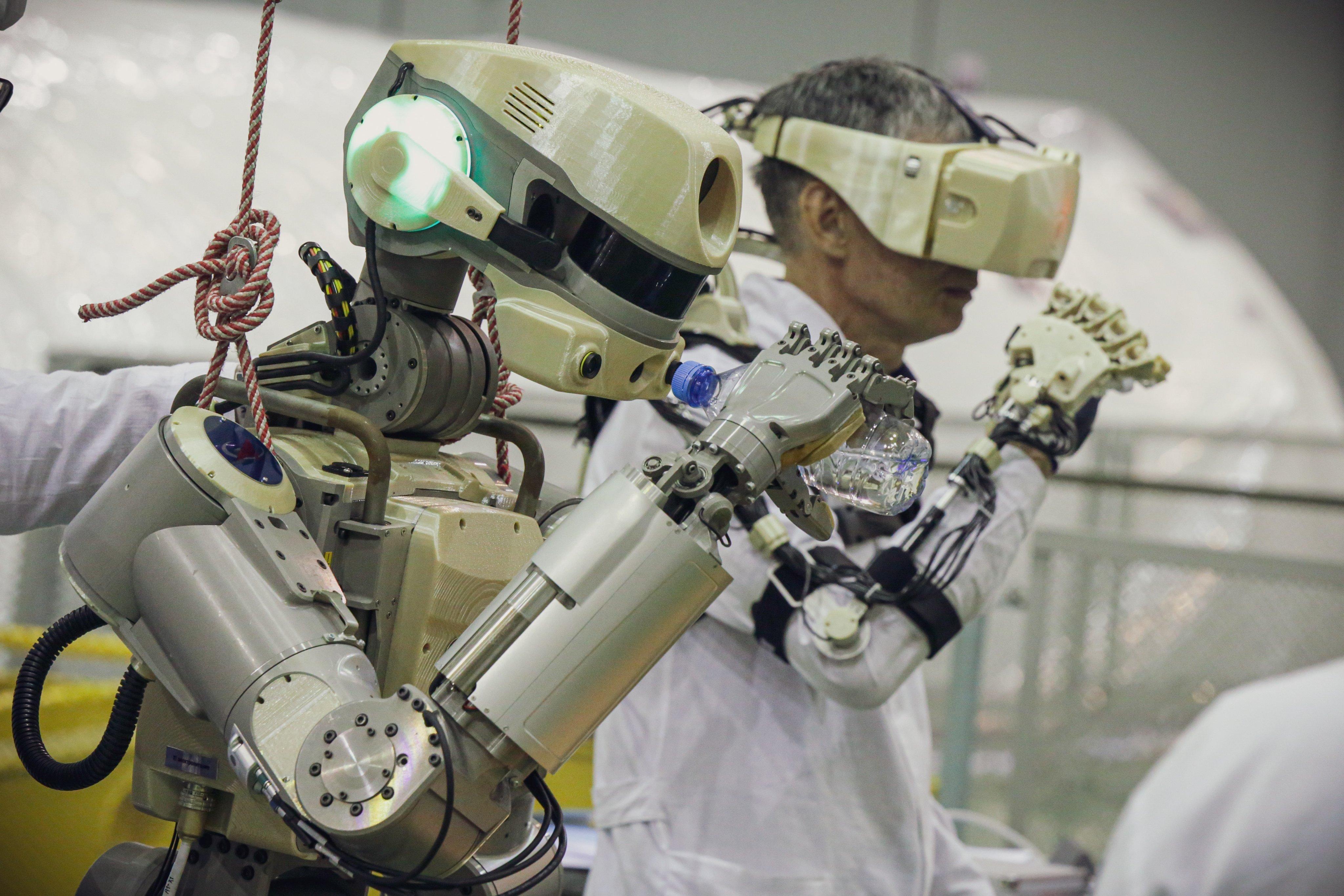 El-primer-androide-cosmonauta-ruso.jpg