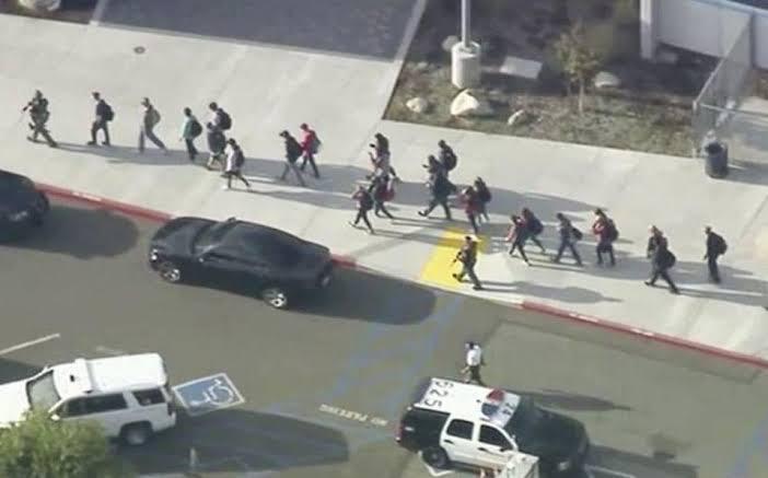 Tiroteo-en-secundaria-de-California-deja-al-menos-seis-heridos-y-un-muerto.jpg