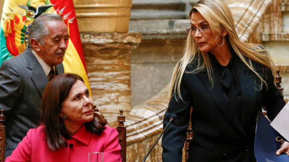 Embajadora-de-México-sale-de-Bolivia-tras-expulsión.jpg