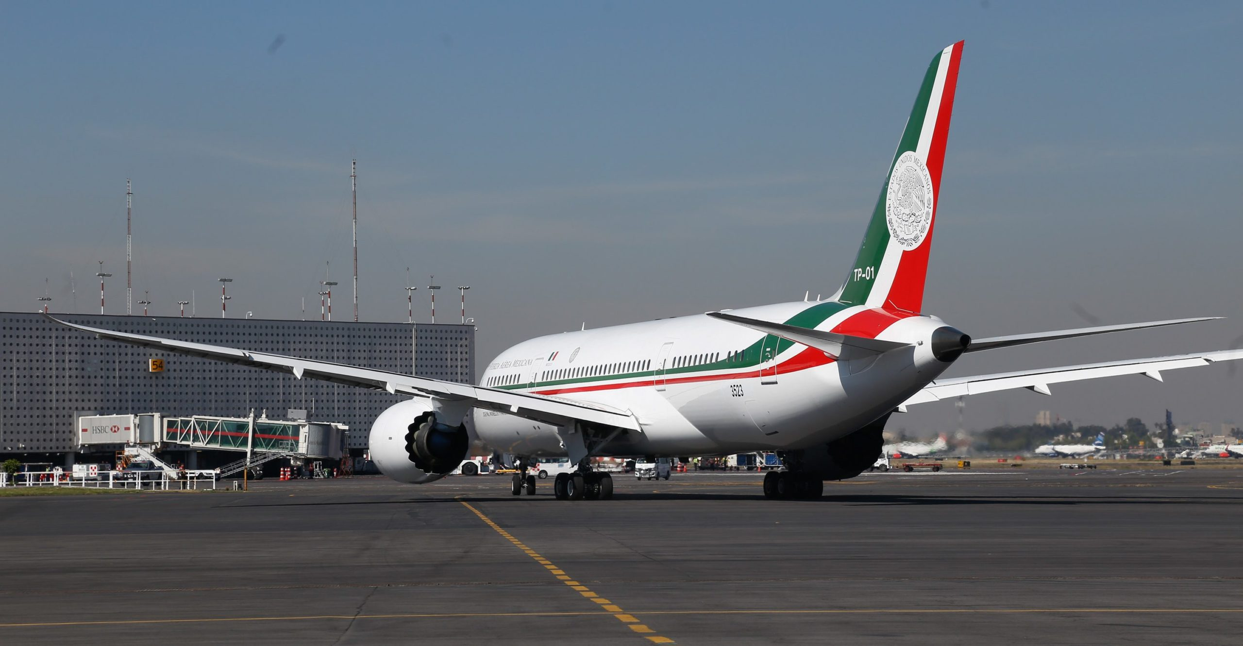 Avión-Presidencial-1-scaled-1.jpg