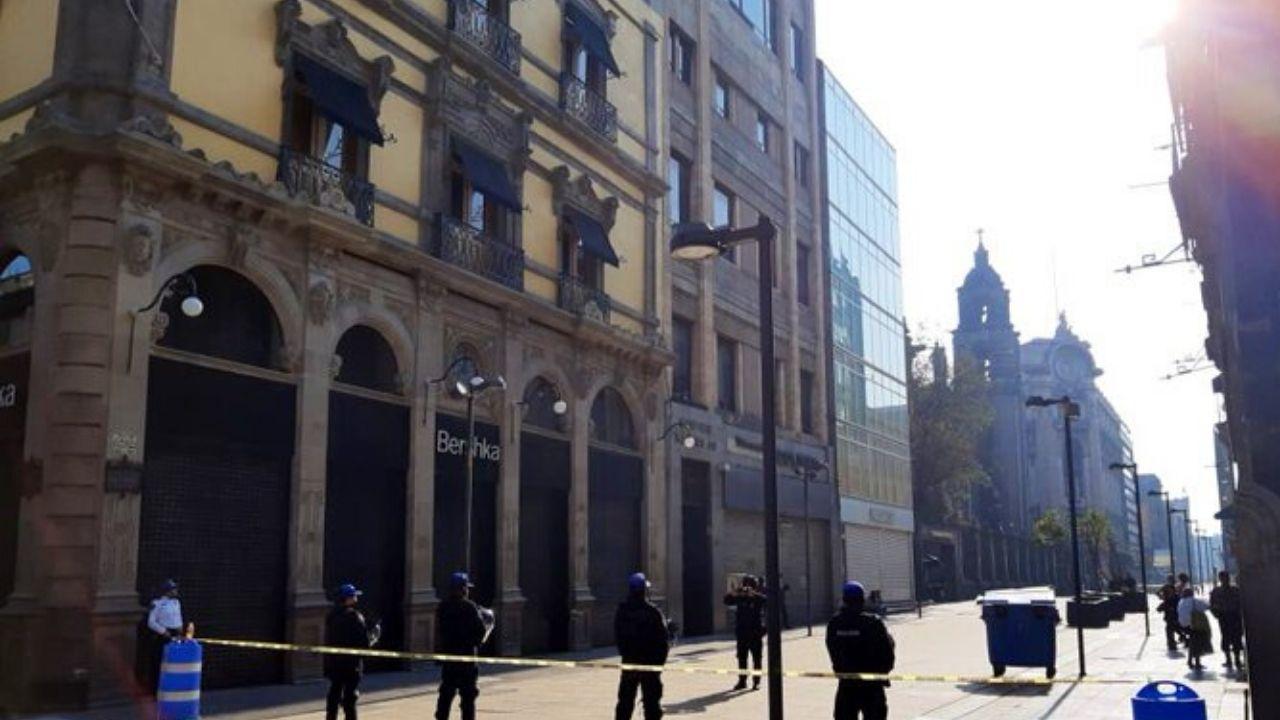 Resguardan-y-acordonan-el-corredor-Madero-por-Covid-19.jpg