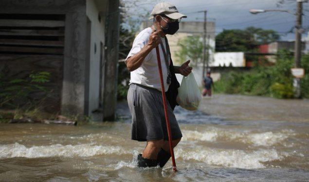 "El presidente de México cataloga como ""semana difícil"" las desgracias ocurridas"
